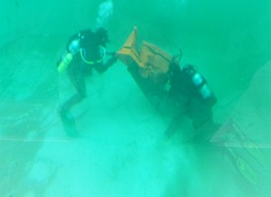 divers_at_bottom_crop_320x232
