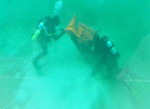 divers_at_bottom_crop_320x232